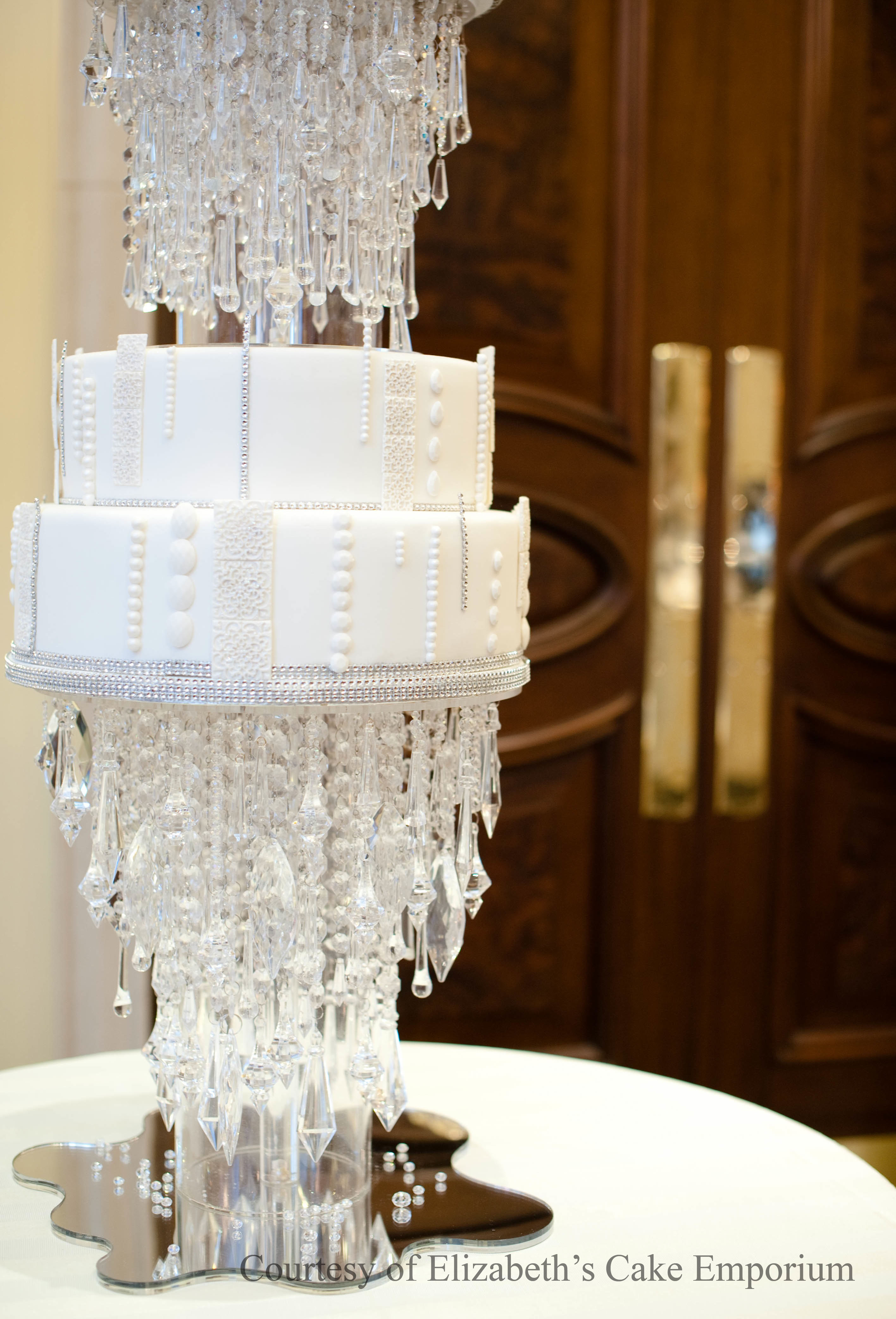 Featuring cake artist Elizabeth Solaru